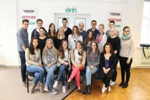Gruppenfoto-in-der-Sprachschule