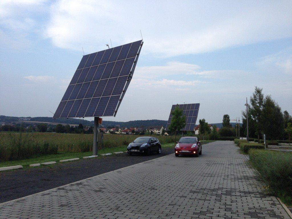 Auf dem Barcamp Renewables waren Probefahrten mit dem Nissan Leaf möglich.