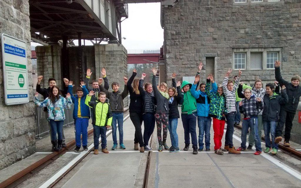 Schüler aus Rickenbach besuchen das Wasserkraftwerk Laufenburg