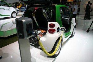 Laden und Entladen: Elektroautos sind mobile Energiespeicher
