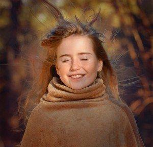 Maedchen im frischen Wind