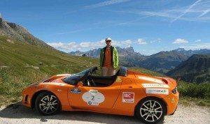 Manfred Hillinger bei einer E-Auto Rallye im Tesla Roadster