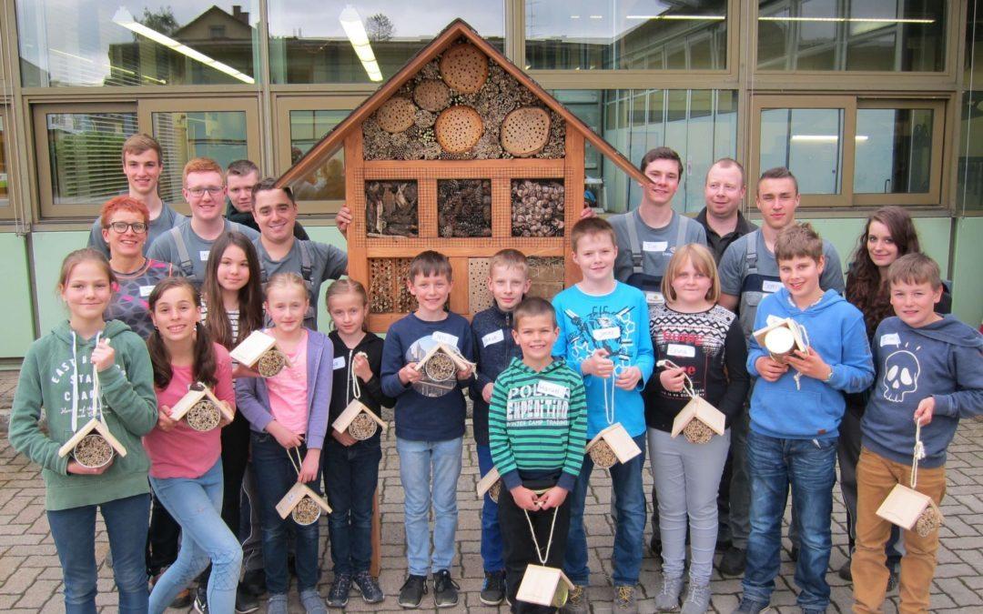 Neuer Wohnraum: Insektenhotels für Wildbienen in Donaueschingen