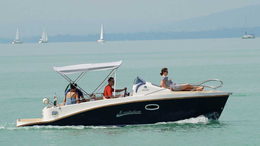 Stickl Yachts Elektroboote E-volution 660