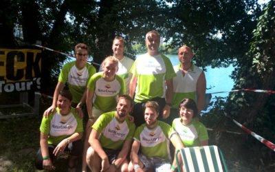 Drachenbootrennen: NaturEnergie paddelt mit den Hausdrachen