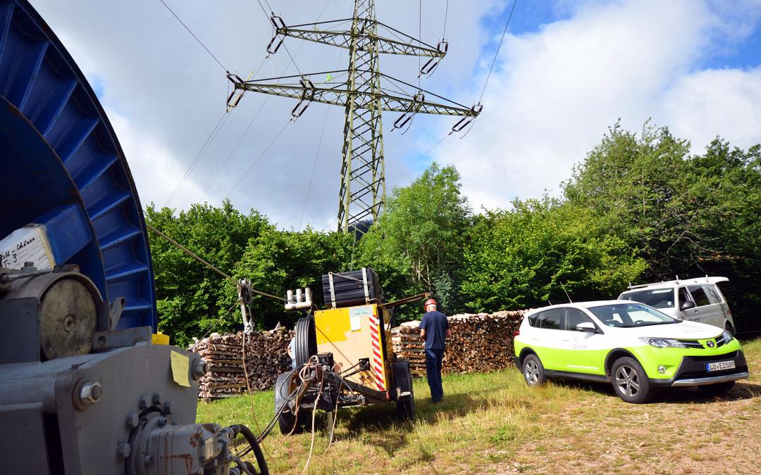 ED Netze ersetzen Kupferluftkabel durch Lichtwellenleiter
