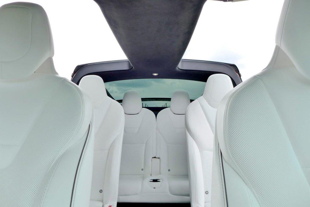 Tesla-Model-X-Sitze-innen