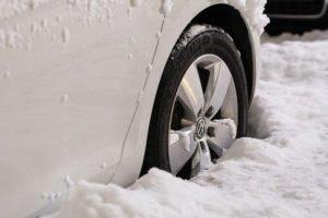 Auto-Rad-Schnee
