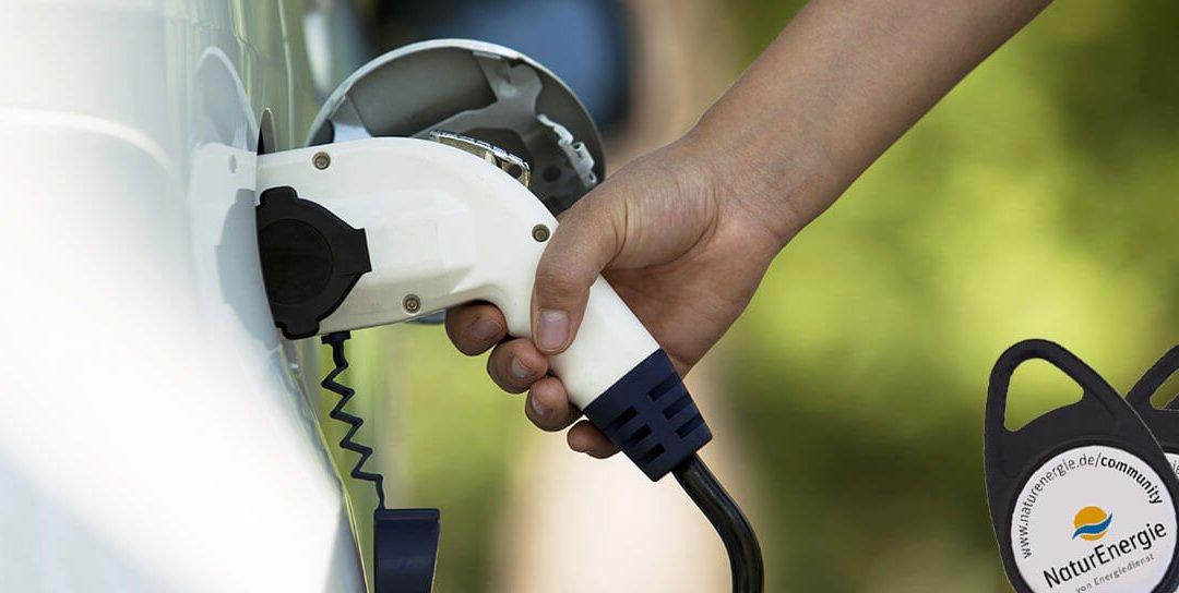 10 Fragen, die Sie sich stellen sollten, wenn Sie ein Elektroauto kaufen wollen