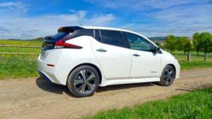 Nissan Leaf 2018, seitlich / Rückseite