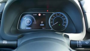 Multifunktionsdisplay im Nissan Leaf