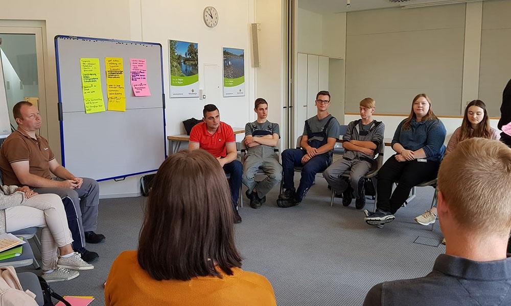 Das Sozialprojekt startete mit einem Einführungsworkshop.