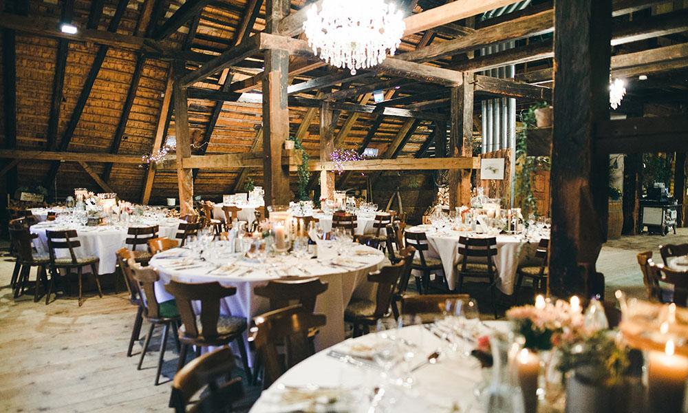 Für eine Green Wedding wählt ihr am besten eine Hochzeitslocation in der Nähe.