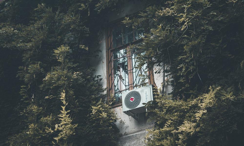 Für die Umwelt ist es besser, die Wohnung ohne Klimaanlage zu kühlen.