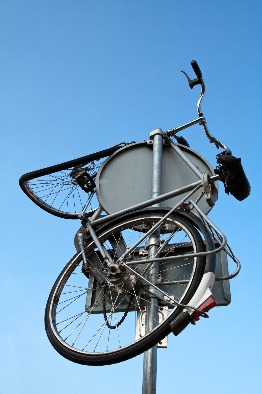 Nicht nur Fahrräder sondern auch E-Scooter werden zunehmend gezielt zerstört.