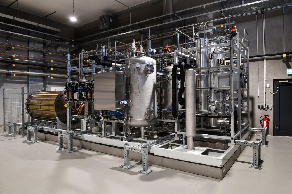 Die Anlage erzeugt durch Elektrolyse Wasserstoff