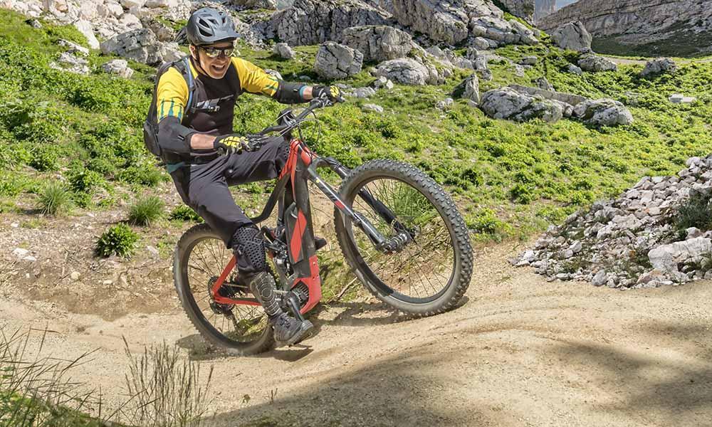 Welches E-Bike ist das richtige? Auch bei E-Bikes gibt es verschiedene Typen wie zum Beispiel Mountainbikes oder Cityräder.