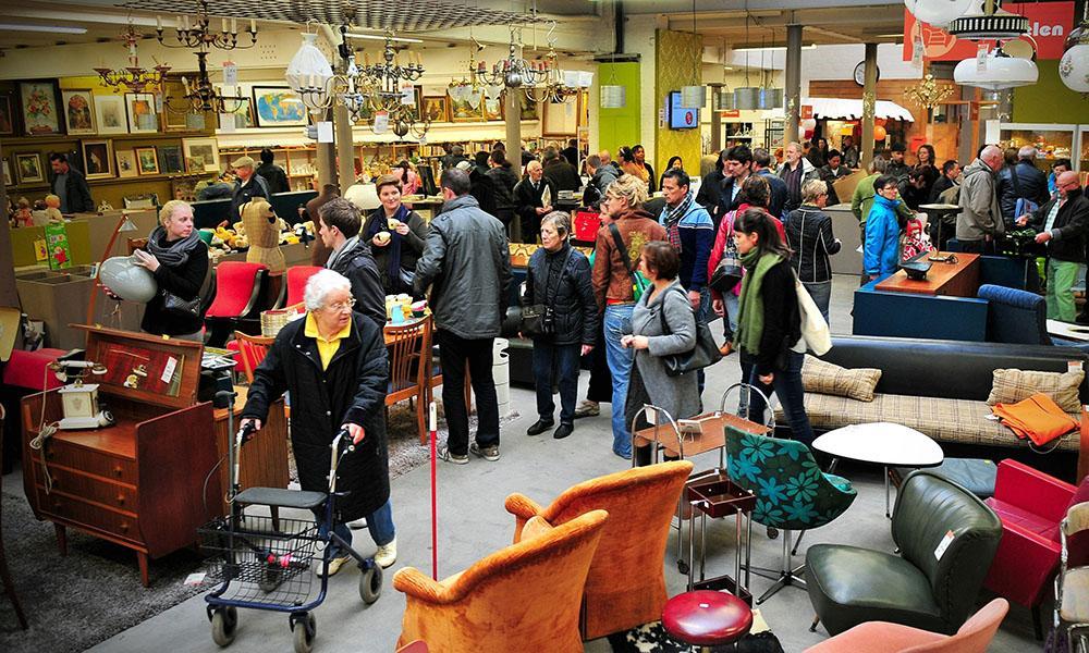 """In Flandern kaufen viele Konsumenten in den Second-Hand-Läden von """"De Kringwinkel"""""""
