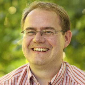 Prof. Dr. Matthias C. Rillig forscht über Mikroplastik im Boden.