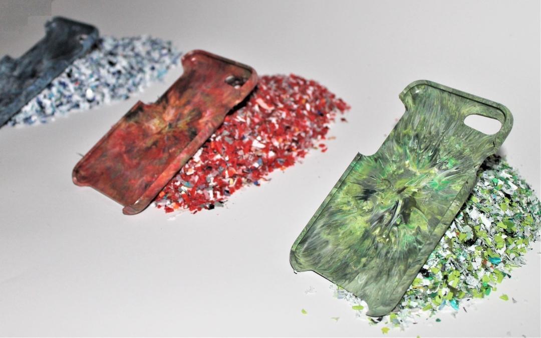 Aus Alt mach Neu: Studenten fertigen Handyhüllen aus Altplastik