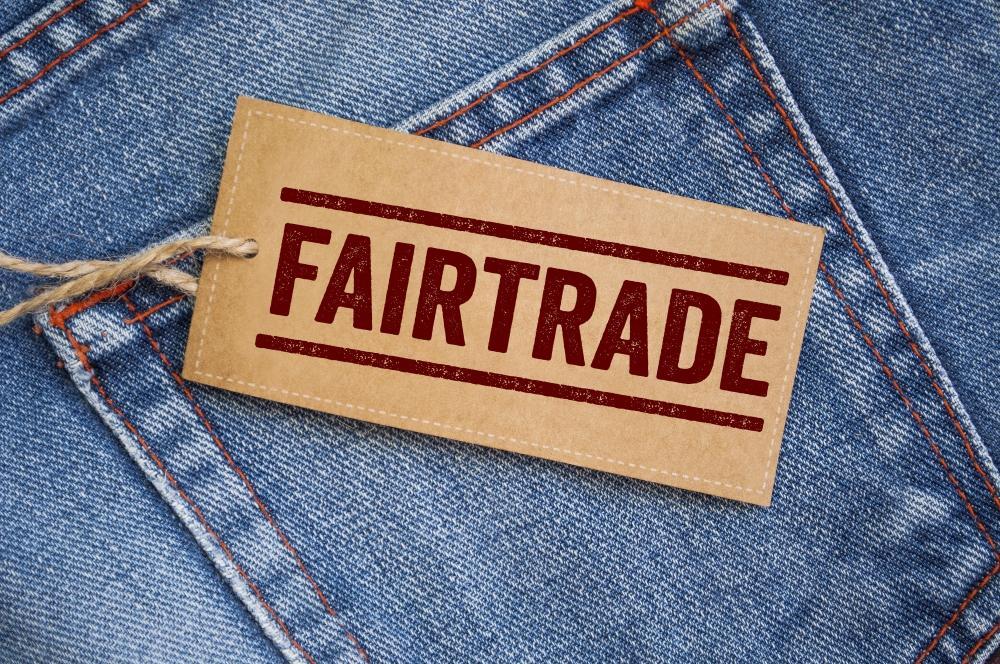 Fairtrade Logo auf Jeanshose