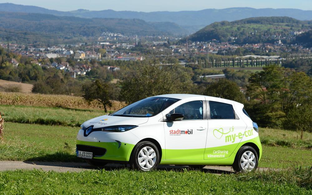 My-e-car klimaneutrales Elektroauto in der Natur.